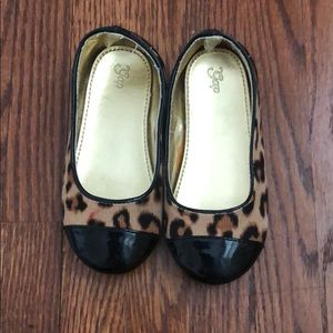 GAP animal print ballet flats size 10